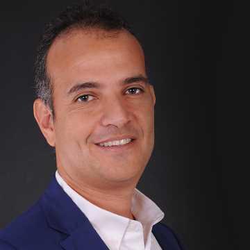 دكتور  أحمد إسماعيل شكري  أستاذ مساعد جراحة المسالك البولية - جامعة القاهرة - القصر العيني القاهرة