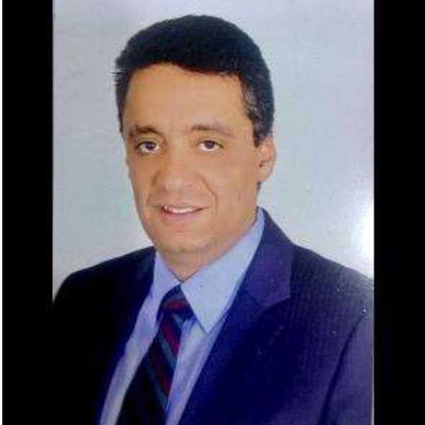 دكتور  أحمد  حسام موافى  استاذ طب الحالات الحرجة لامراض القلب القصر العيني - جامعة القاهرة الجيزة