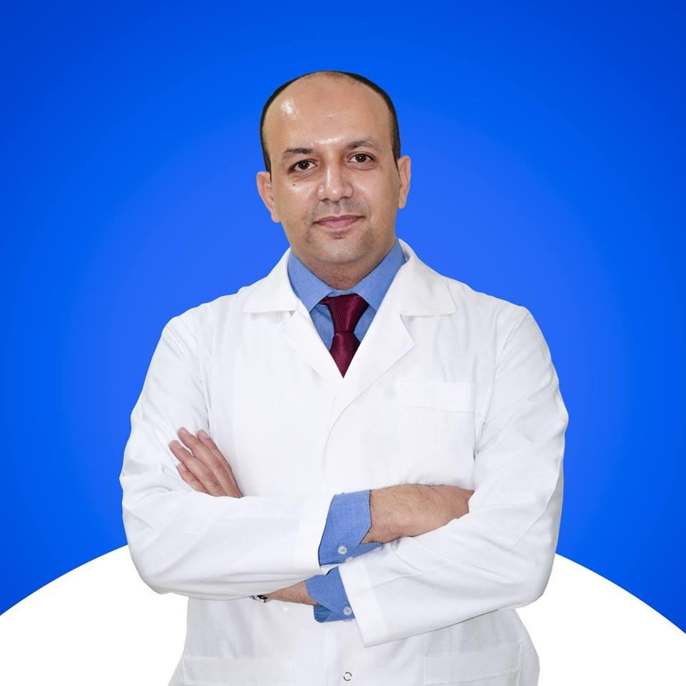 دكتور  أحمد حسنى  استاذ الأشعة التداخلية بالقصر العيني الجيزة
