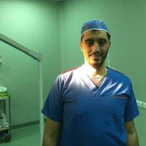 دكتور  أحمد علاء الدين  أستاذ الجراحة العامة بكلية الطب جامعة عين شمس القاهرة