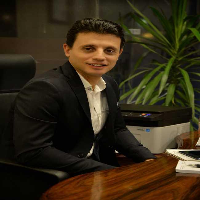دكتور  أحمد وجية  إستشاري جراحات المناظير و إصابات الملاعب و المفاصل الصناعية الجيزة