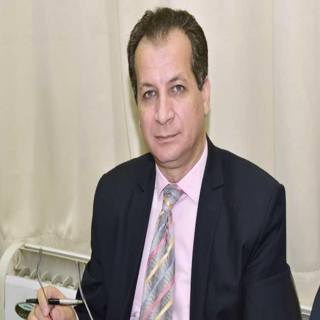 دكتور  أشرف الشورى  أستاذ الامراض الصدرية بكلية الطب بجامعة الزقازيق الزقازيق