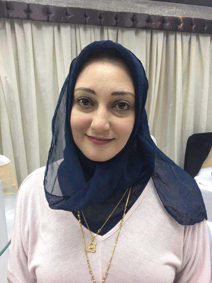 دكتورة  أميرة محمد يوسف  إستشارى الطب النفسى و الإدمان-أستاذ (م)  بكلية الطب 6 اكتوبر