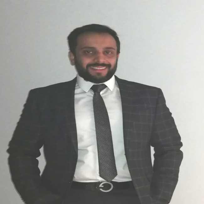دكتور  أمير البغدادى  استشارى جراحة التجميل القاهرة