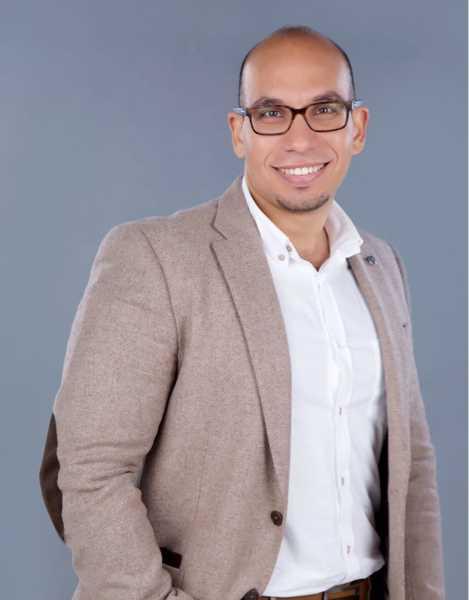 دكتور  إسلام حازم  إخصائي جراحة التجميل والجراحات الميكروسكوبية الاسكندرية