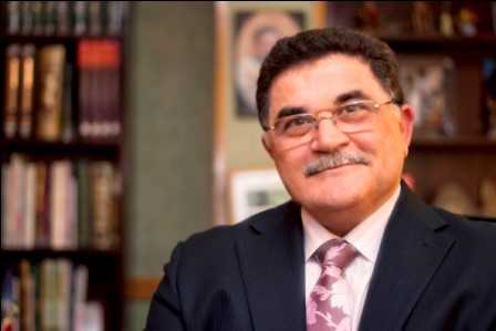 دكتور  احمد عادل نور الدين  أستاذ ورئيس قسم جراحة التجميل كلية طب - جامعة القاهرة الجيزة