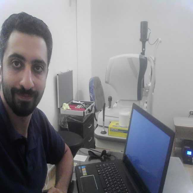 دكتور  احمد عرمه  اخصائي طب و جراحة العيون و الليزك الدقهلية