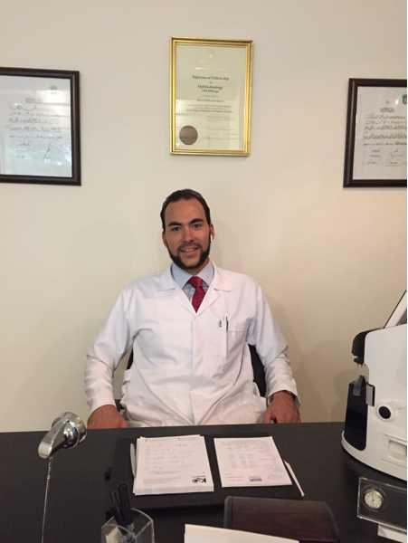 دكتور  احمد محمد كراره  اخصائي طب و جراحة العيون الجيزة