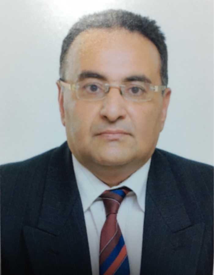 دكتور  احمد نعمان  استاذ الامراض الباطنة و الحميات و امراض الكبد و الجهاز الهمضمي القاهرة