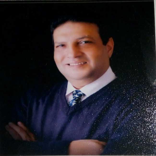 دكتور  اشرف  كيلاني  استشاري جراحة الانف و الاذن و الحنجرة بمستشفيات القوات المشلحة القاهرة