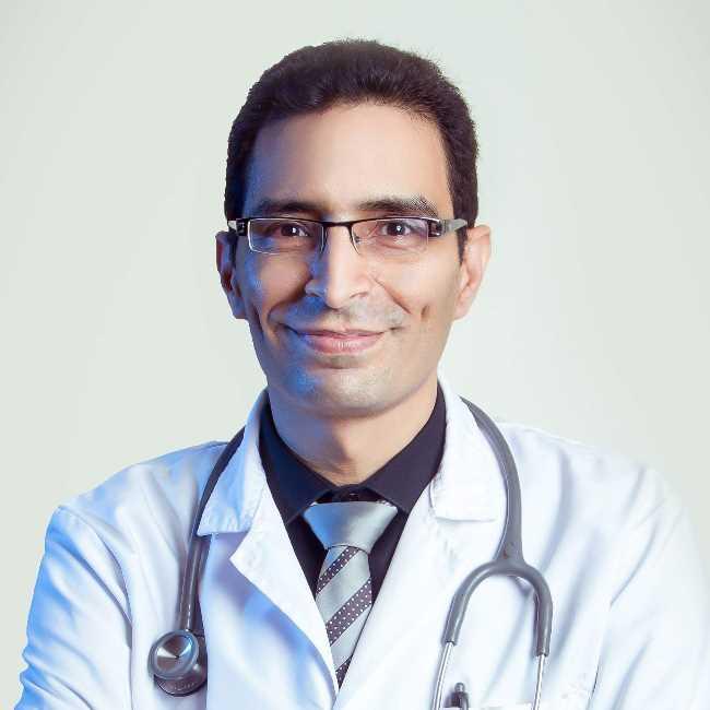 دكتور  السيد  المر  دكتوراة الباطنة -استشاري الباطنة والكبد بمستشفيات جامعة الزقازيق الزقازيق