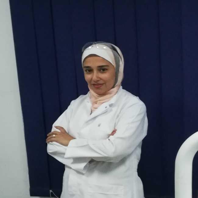 دكتورة  امل ابو النصر  اخصائي طب و جراحة الفم و الاسنان و رئيس قسم الأسنان بمستشفي الشروق العام الشروق