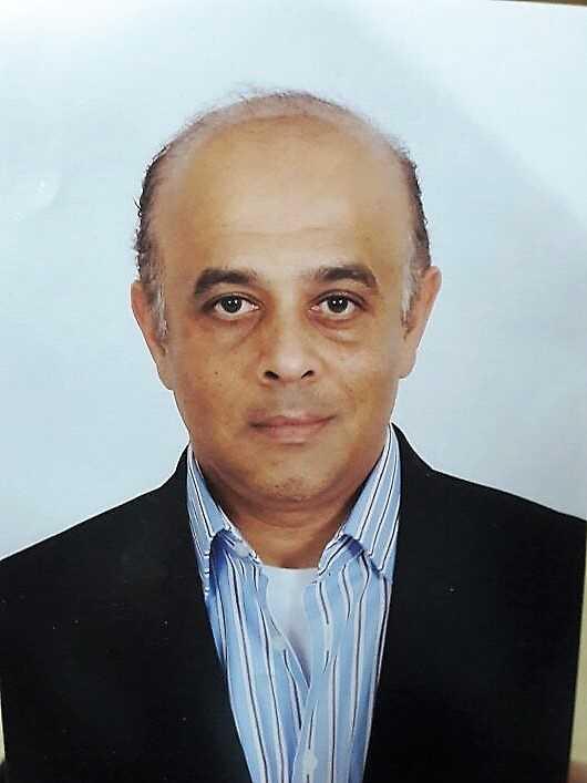 دكتور  ايهاب قدرى  استاذ الجراحة العامة  بجامعة انجلترا القاهرة