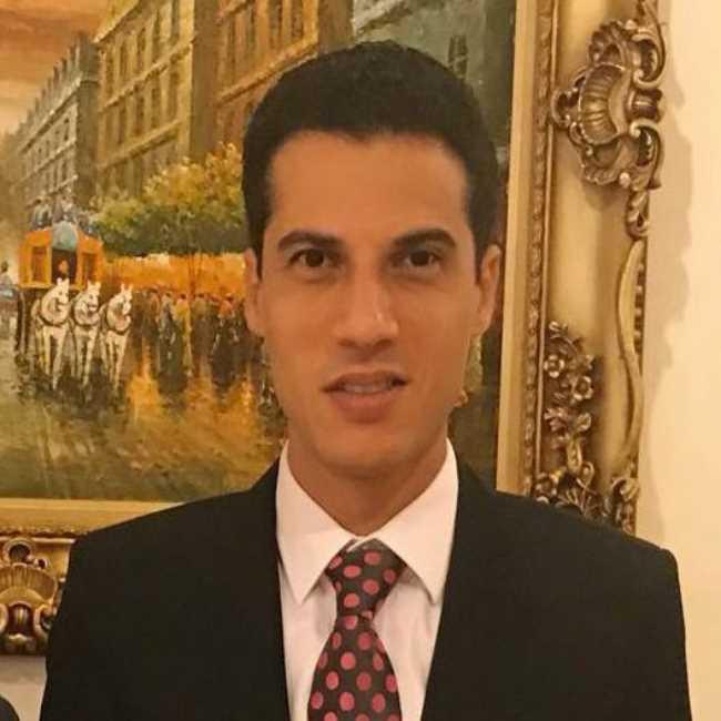 دكتور  تامر شهاب  استشارى امراض الباطنه و امراض وزراعه الكلى المنوفية