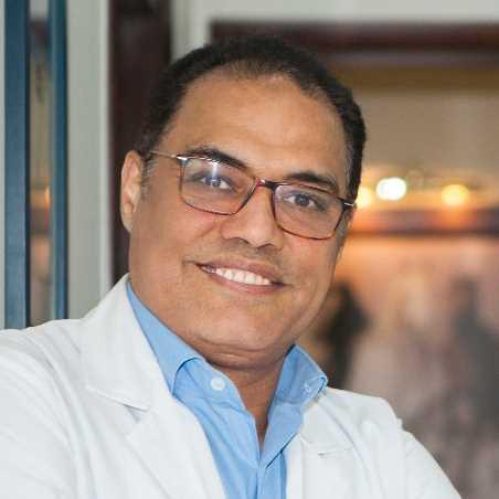 دكتور  جودى إبراهيم  استاذ و استشاري جراحة المسالك البولية والتناسلية والعقم الجيزة