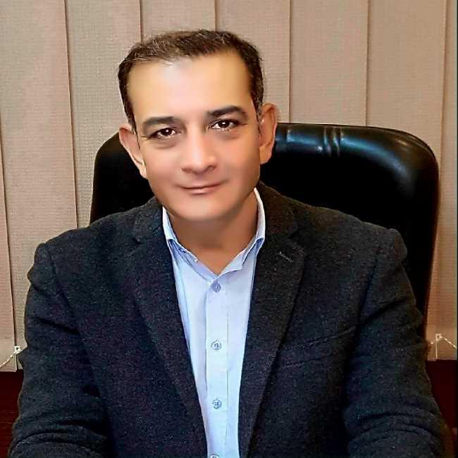 دكتور  خالد الجوهرى  استشارى و رئيس قسم الانف و الاذن و الحنجره بمستشفي العجوزة . الجيزة