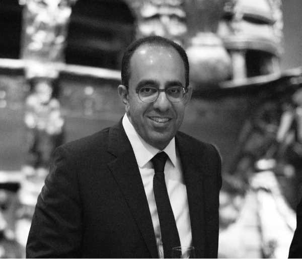 دكتور  رامز شكرى  استشارى جراحات الجفون و القناه الدمعية و تجميل العيون القاهرة