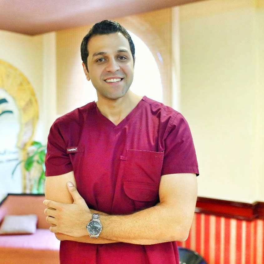 دكتور  رامي محمد حسين  أخصائي علاج الجذور وتجميل الأسنان الاسكندرية