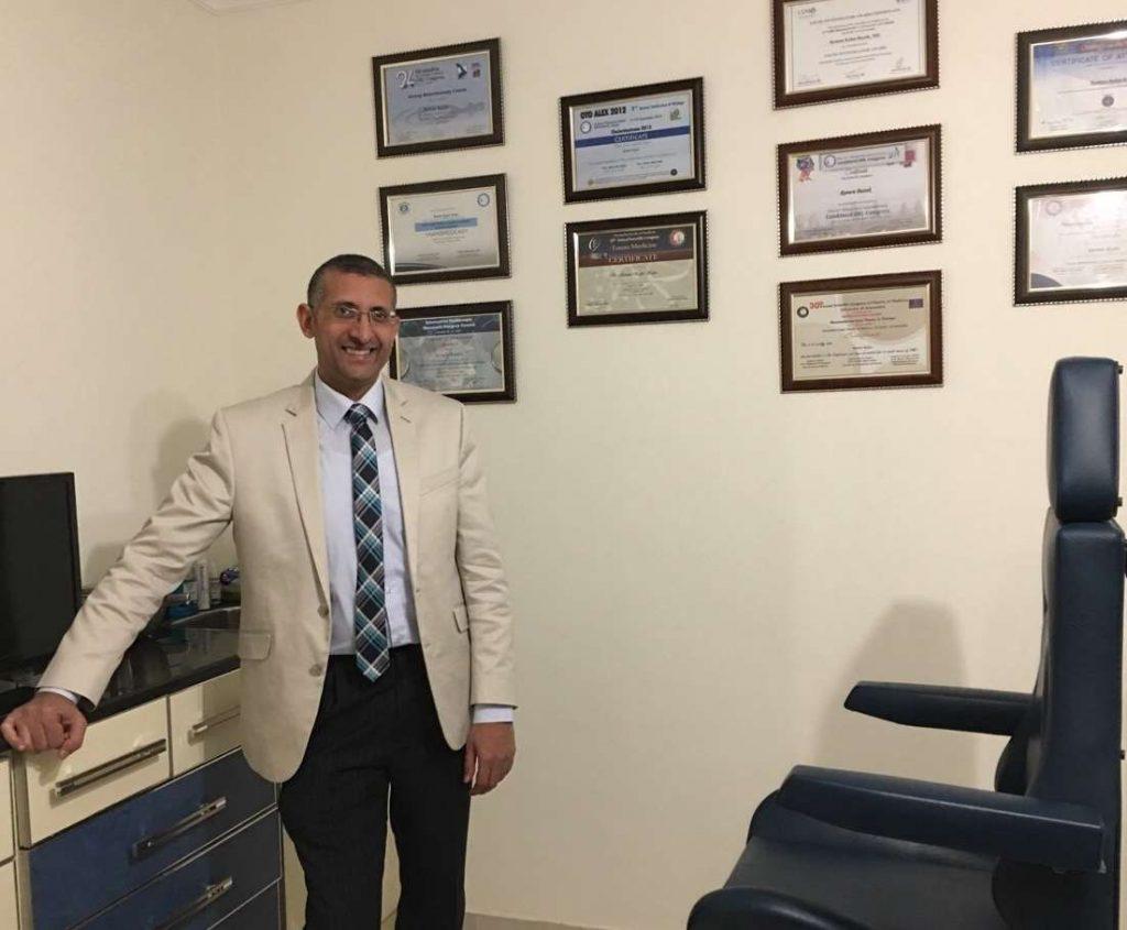 دكتور  ريمون رأفت  مدرس الأنف والأذن والحنجرة بكلية الطب - جامعة الإسكندرية استشاري جراحة الأنف والأذن والحنجرة الاسكندرية
