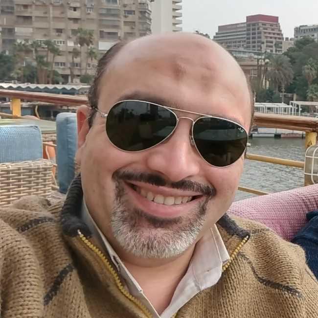 دكتور  سامح عادل بكري  إستشاري ومدرس جراحة التجميل والحروق. عين شمس الجيزة