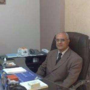 دكتور  سمير على الشيخ  استاذ امراض الباطنة بكليه الطب -  جامعة الاسكندرية الاسكندرية