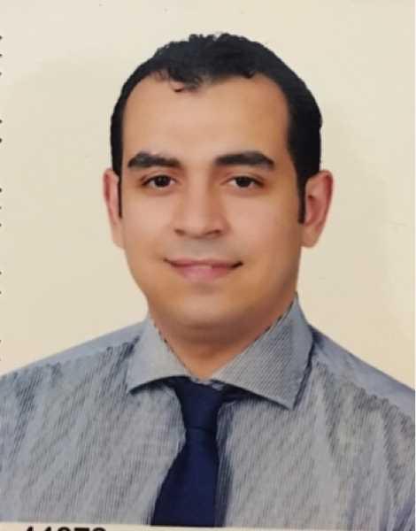 دكتور  صلاح الدين ماجد الحفناوي  استشاري جراحة المخ و الاعصاب و العمود الفقري الزقازيق