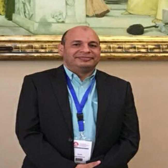 دكتور  صلاح مبروك خلاف  استشاري ودكتوراة علاج الأورام وأمراض الدم وزرع النخاع ومناظير الجهاز الهضمي اسيوط