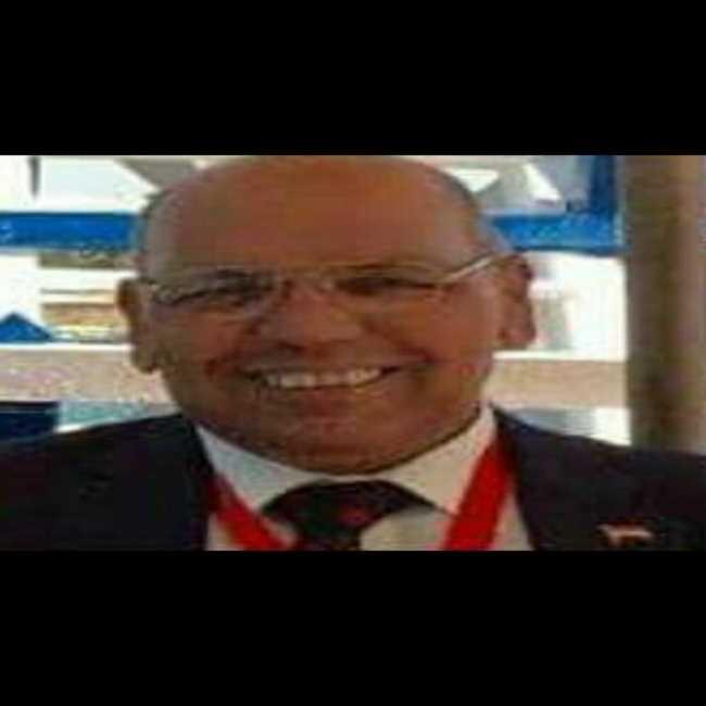دكتور  عادل الركيب  استشاري واستاذ بكلية الطب الجيزة