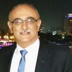 دكتور  عادل صدقي حسن  استشاري جراحة العظام و المفاصل الزيتون