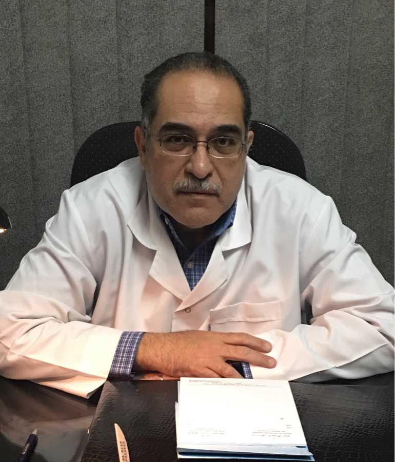 دكتور  عاطف رجب احمد  استشاري الاذن و الانف و الحنجرة العباسية