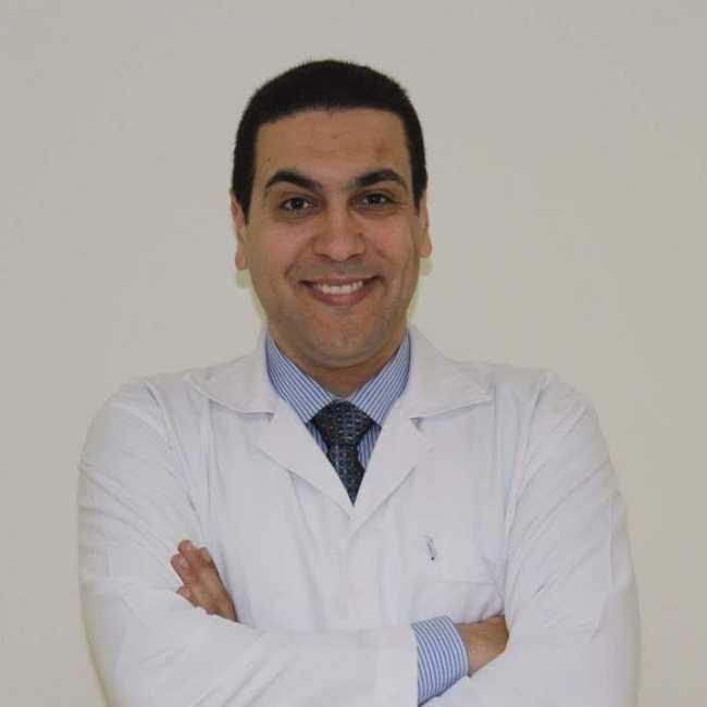دكتور  عماد عبد الله  استشاري جراحات الانف و الاذن و الحنجرة 6 اكتوبر