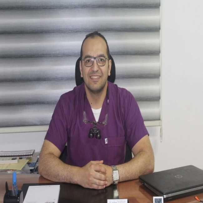 دكتور  عمرو  عمارة  استشاري تجميل و زراعة الأسنان القاهرة