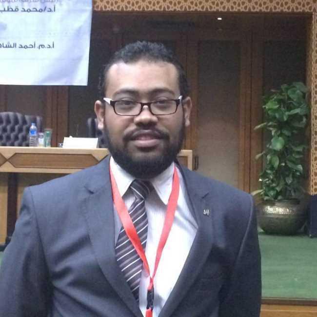 دكتور  عمرو غريب  استشاري الجلدية والتناسلية و التجميل الجيزة