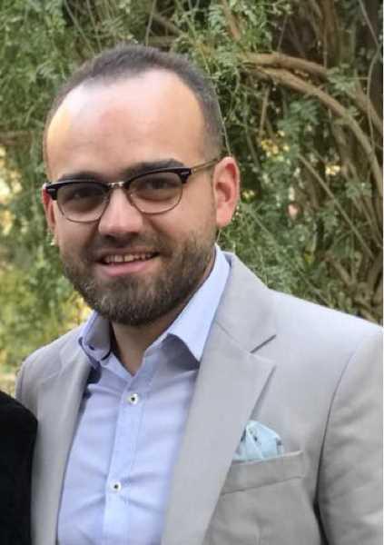 دكتور  كريم سيد عبد الحميد  مدرس مساعد واخصائي التوليد وامراض النساء اسيوط