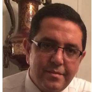 دكتور  محمد ابراهيم السنباطى  استاذ بكلية الطب قصر العيني - جامعة القاهرة الجيزة