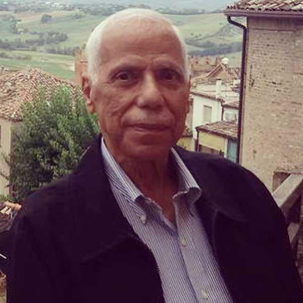 دكتور  محمد البتانوني  استاذ الامراض الصدرية بكلية الطب القصر العيني - جامعة القاهرة الجيزة