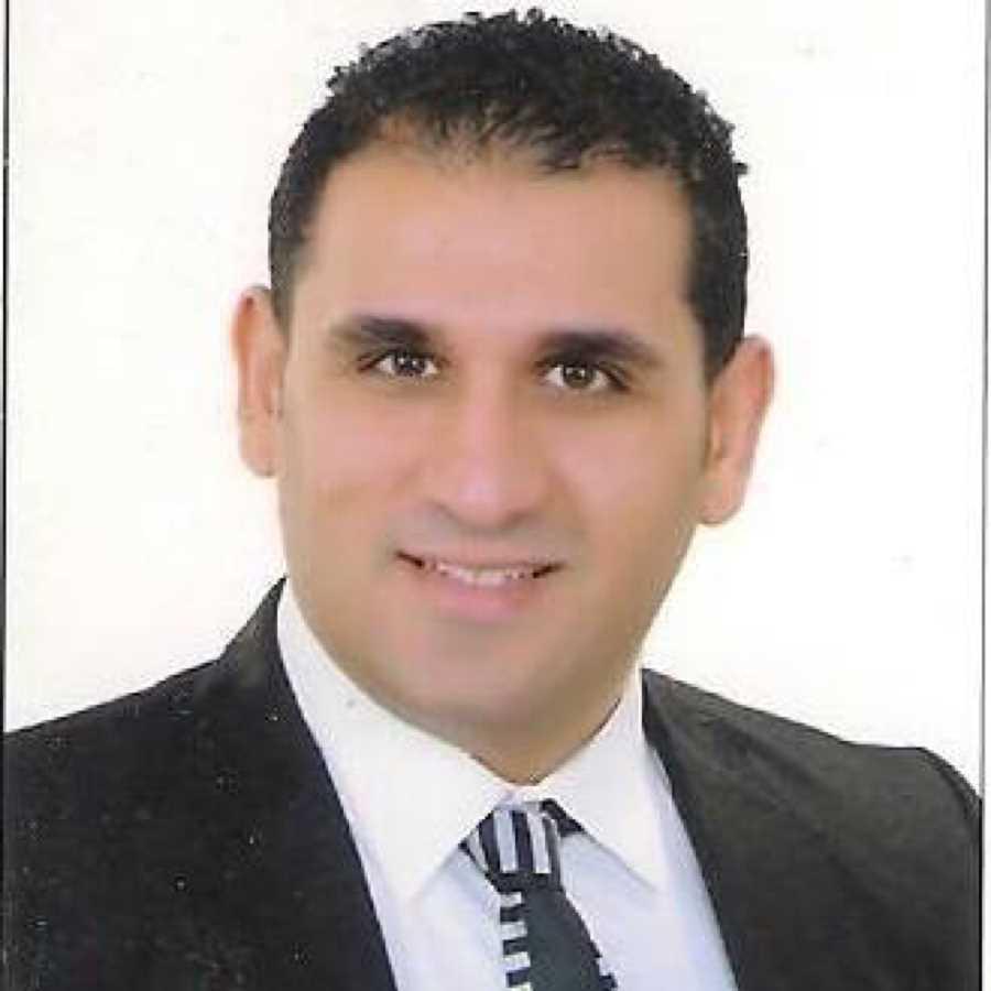 دكتور  محمد صلاح قنديل  اخصائى جراحة ومناظير المسالك البولية الغربية
