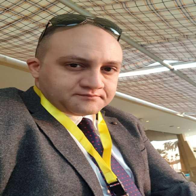دكتور  محمد علي رجائي  مدرس جراحة المخ والأعصاب بكلية الطب جامعة أسيوط اسيوط
