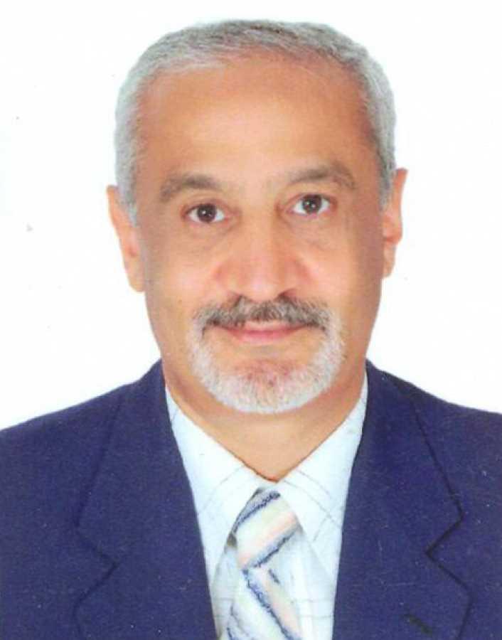 دكتور  محمد عوض المركبى  استاذ و رئيس قسم جراحة التجميل جامعة الازهر القاهرة