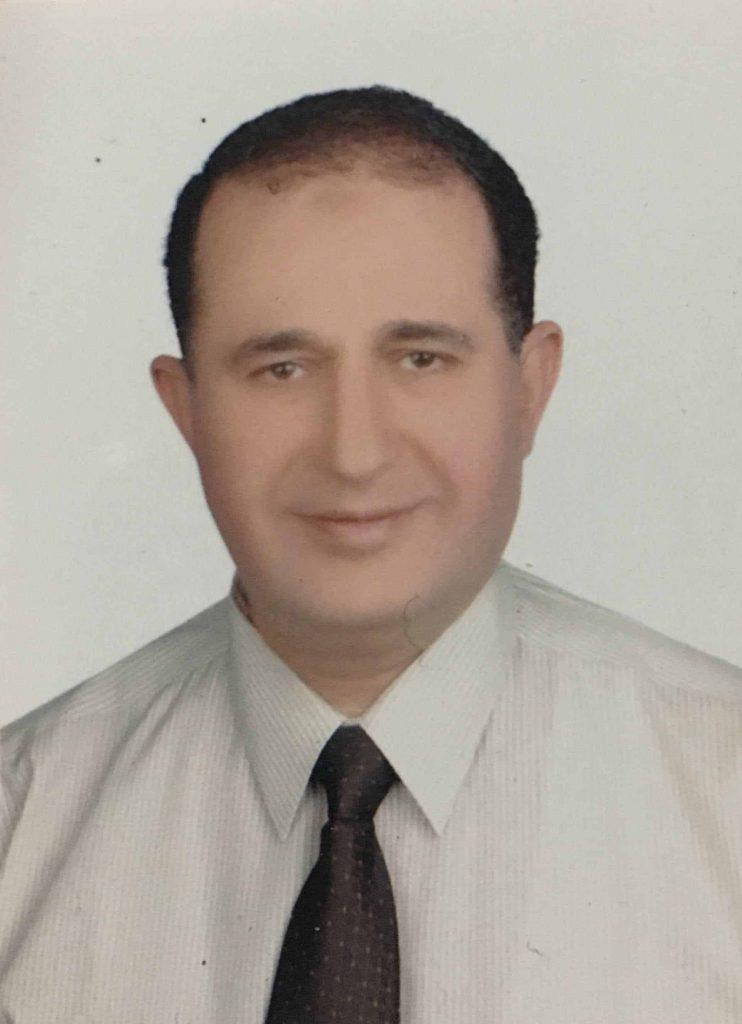دكتور  محمد قابيل  استشاري الامراض الباطنه و الجهاز الهضمي و الكبد و السكر القاهرة