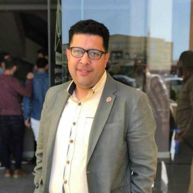 دكتور  محمد نادر الخولي  أستاذ م العلاج الطبيعي جامعة الدلتا الدقهلية