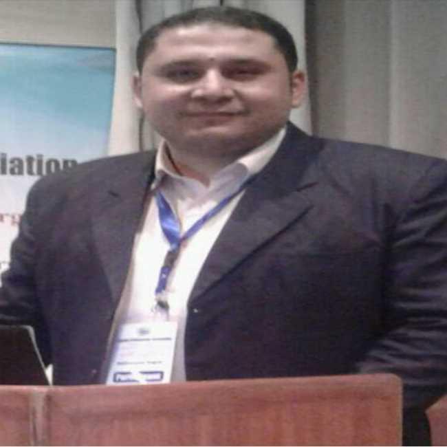 دكتور  محمد نجاح صباح  اخصائي جراحة العظام والعمود الفقري الغربية
