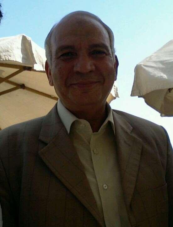 دكتور  محمود أحمد البطاوي  استاذ و رئيس قسم جراحة القلب والصدر بالقصر العيني (سابقا)- جامعة القاهرة الجيزة
