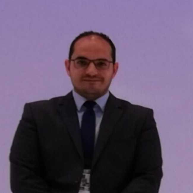 دكتور  مصطفى الرزاز  إستشارى الباطنة العامة وأمراض الدم القاهرة