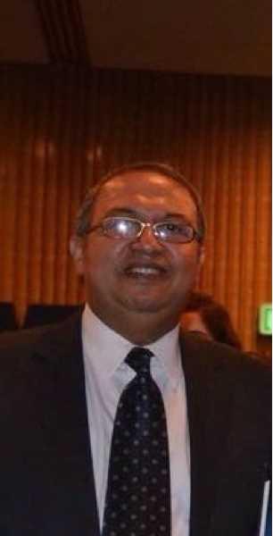 دكتور  مهدي عبدالعزيز  استشاري أ في طب الاطفال القاهرة