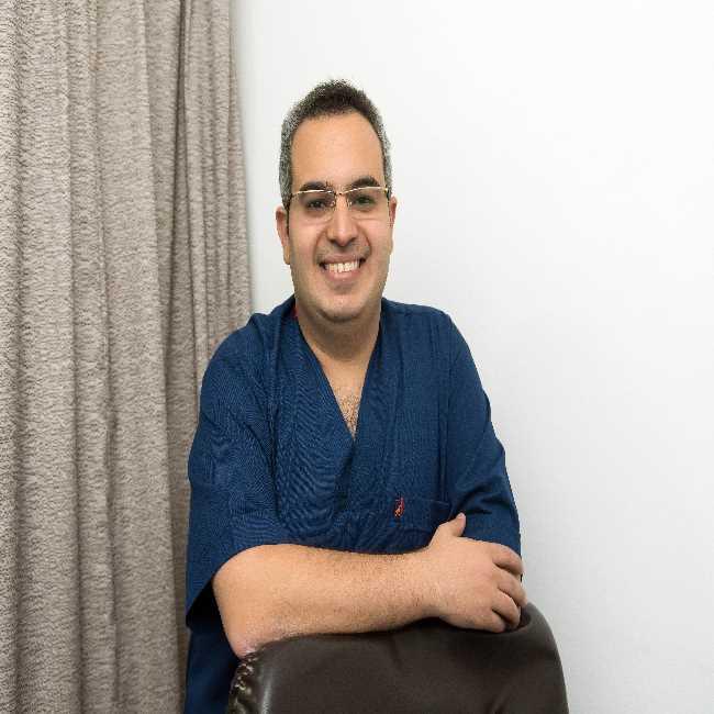 دكتور  نادر  ناصف  استشاري جراحة الاطفال والمناظير القاهرة