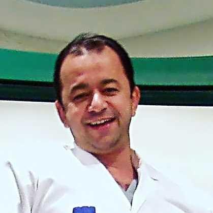 دكتور  نهاد سعيد المكاوى  إستشارى و رئيس قسم جراحة الاورام والغدد بالمركز الطبى العالمى الجيزة