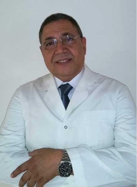 دكتور  هشام نجم  استاذ و رئيس قسم الاذن و الانف و الحنجرة كلية طب جامعة القاهرة الجيزة