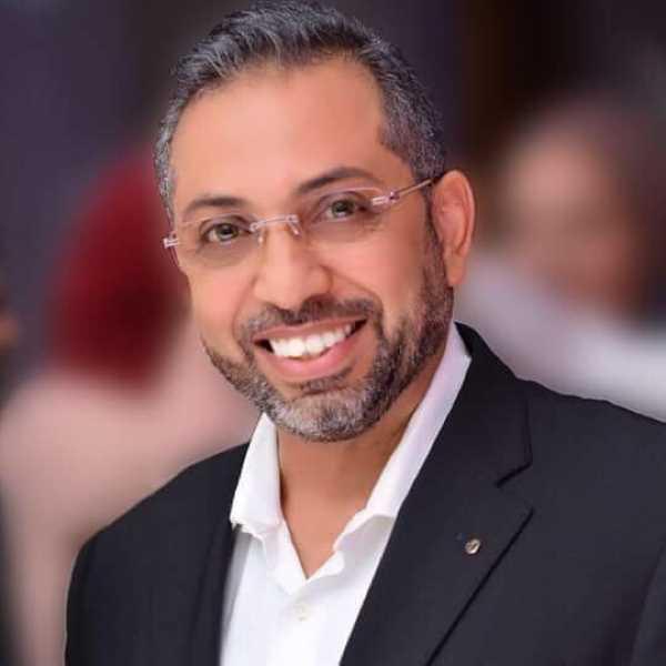 دكتور  وائل ابراهيم  استشارى امراض النساء والتوليد و العقم جامعة اوفيرنيه - فرنسا القاهرة