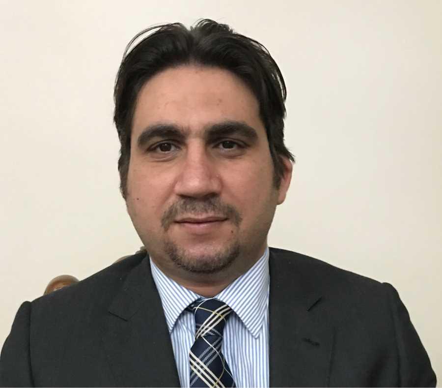 دكتور  وائل عمر  مدرس الجراحة العامة والمناظير والأورام كلية الطب القاهرة